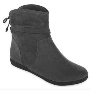 NWT Arizona Jeans Kadin ankle boots size 9.5